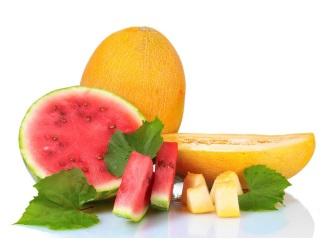 Свежие арбуз и дыня, оказывают множество полезных эффектов, улучшающих деятельность всех органов, систем человеческого организма.