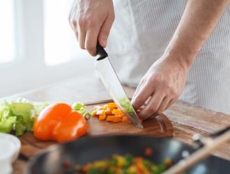 По истечении периода лечебного голодания начинают постепенно вводить слизистые супы, каши, кисели.