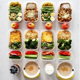 Диетические блюда должны быть отварными или приготовленными на пару.