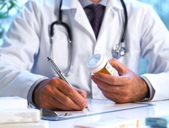 При необходимости врач может назначить антибиотики.
